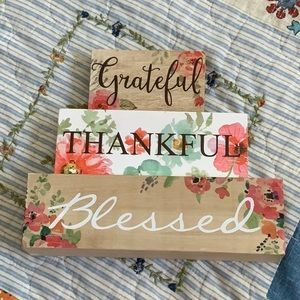 NWT Grateful Thankful Blessed 3 piece Decor